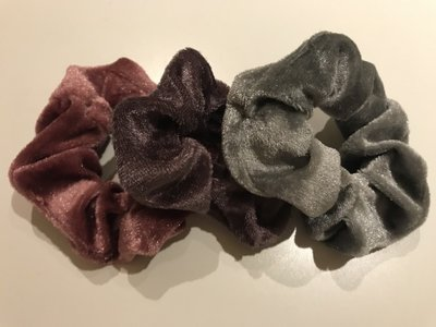 Scrunchie 'klein' velvet set van 3 metalic